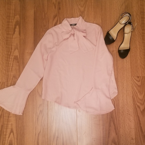 a8435d3ee482b7 NWOT Pink Long Sleeve Pussy Bow Blouse Size L. M 5b32a39baa57199ed50d34ae